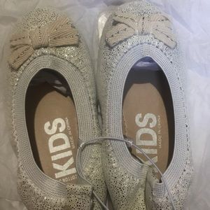 Cotton On Shoes - New with tag Cotton On Kids Flats (silver speckle)